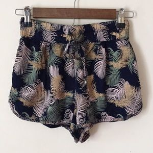 Angie | Feather Shorts | Size Small